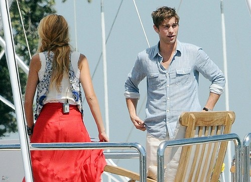 Nate - Gossip Girl - Behind the Scenes, Long ساحل سمندر, بیچ CA - August 03, 2011
