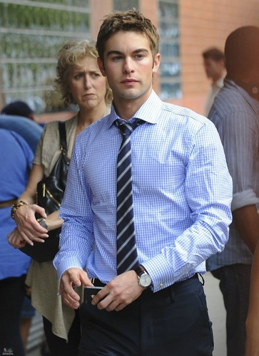 Nate - Gossip Girl - Behind the Scenes - October 11, 2011