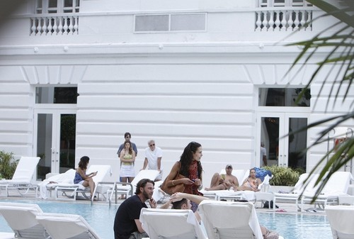 Jordana - JB at the Copacabana Hotel in RJ with Andrew and Tyrese Gibson, Apr 16, 2011