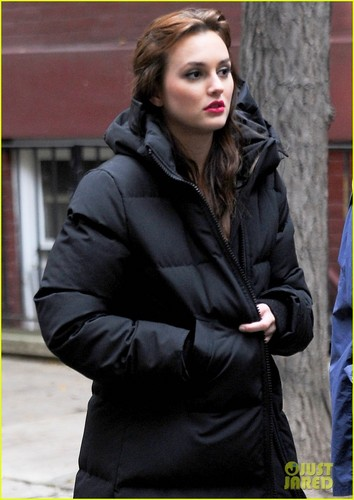 Leighton Meester bundles up on the set of Gossip Girl on Wednesday (October 26) in New York