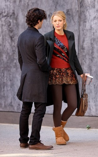 On the set of Gossip Girl (September 25th)