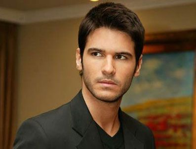 Tolgahan Sayışman ( Turkish actor)
