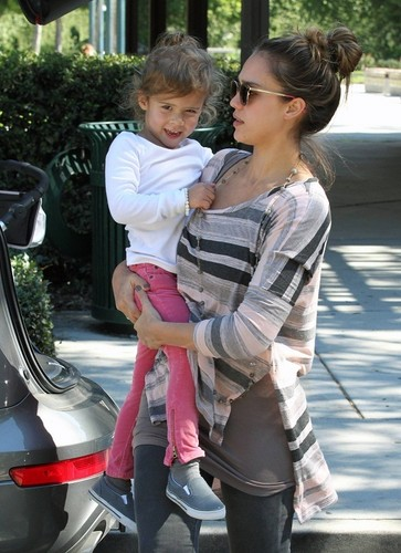 Jessica - At Coldwater Canyon Park in Beverly Hills - October 29, 2011