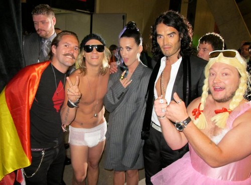 Katy and Russell with The Dudesons <3
