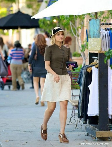 2011: Dianna Shops at Liberty