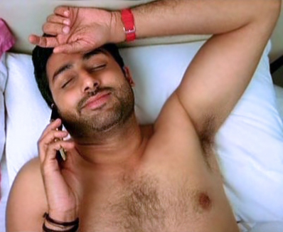 ABHISHEK BACHCHAN SHIRTLESS IN DOSTANA