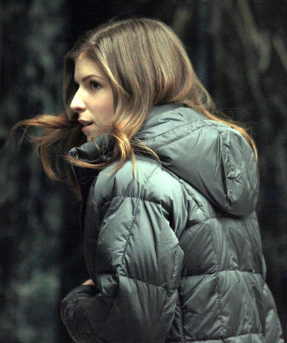 Anna Kendrick On The Set Of 'The Company あなた Keep'