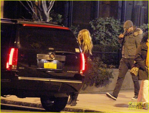 Blake Lively & Ryan Reynolds: Sunday Night in Boston!