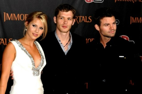 "Daniel Gillies, Claire Holt and Joseph 모건 at The World Premiere of ""Immortals"""