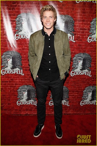 Hunter Parrish: 'Godspell' Opening Night!