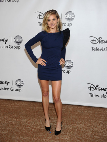 Eliza 轿跑车 @ the 2011 Summer TCA Press Tour