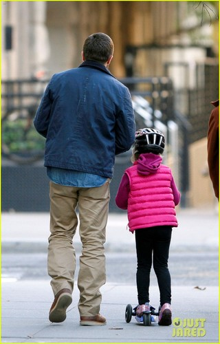 Jake Gyllenhaal Spends the giorno with Niece Ramona