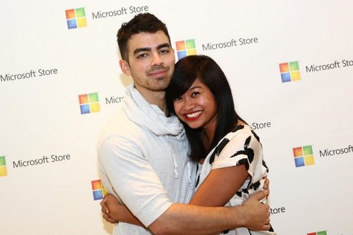 Joe Jonas Microsoft Opening Photo 2011