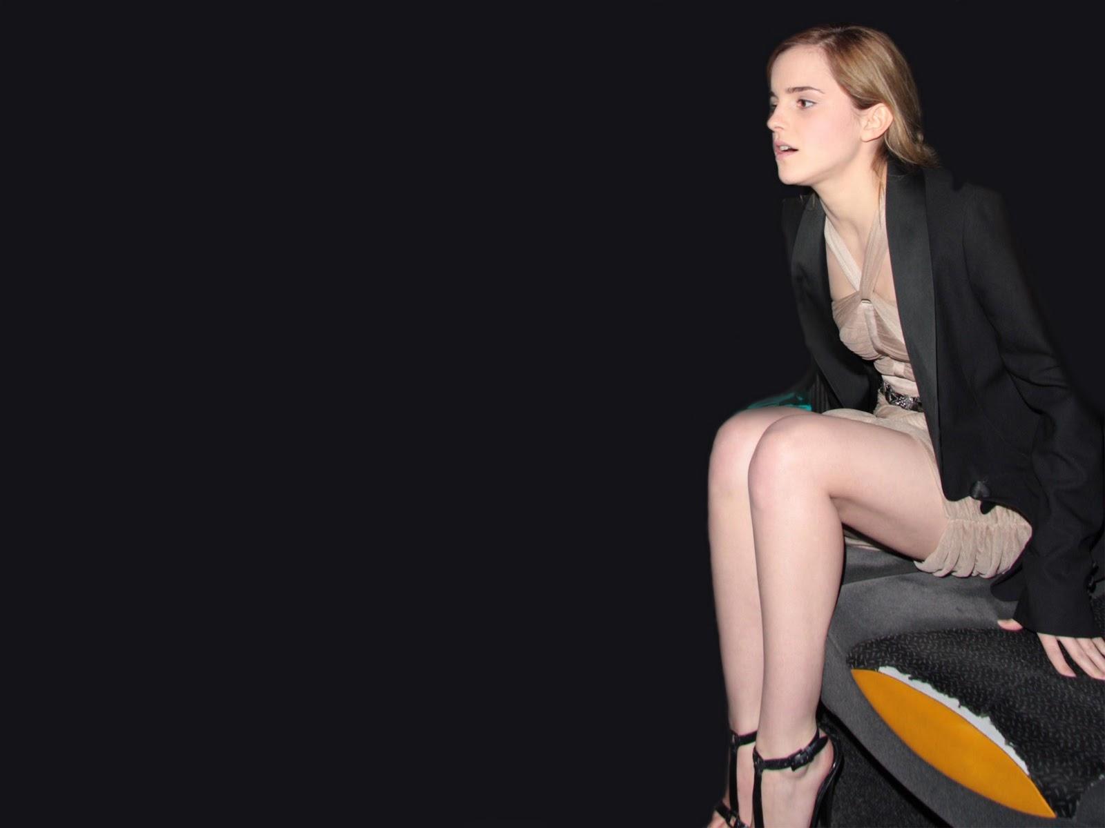 Emma Watson Naked Wallpaper