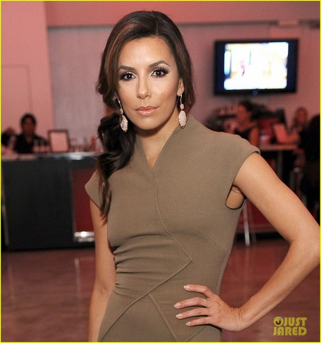 Eva Longoria in Victoria Beckham at the 2011 Hollywood Style Awards (November 13) in Los Angeles