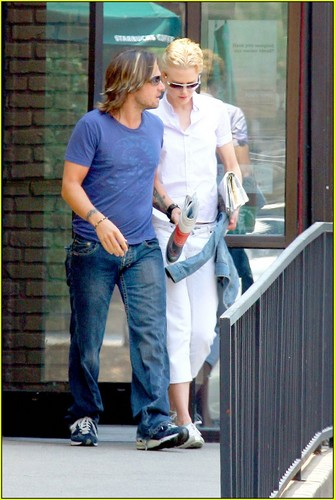 Keith and Nic out and about in Nashville