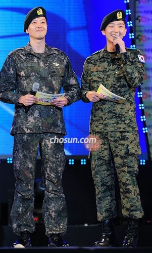 Lee Jun-ki train the Armed Forces 日