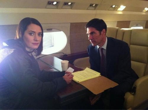 Paget Brewster and Thomas Gibson, BTS pic of 7x12