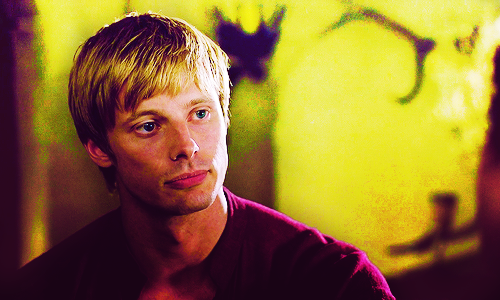 Bradley James/Arthur Pendragon
