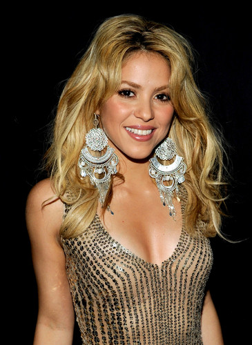 Shakira breast big picture....
