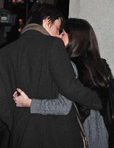 Ashley Greene and Reeve Carney at the Rockefeller 树 Lighting in NYC last night