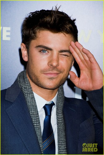 Zac Efron And Michelle Pfeiffer New Years Eve Today Show Hq New Year S Eve Photo 27498289 Fanpop