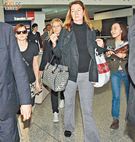 Arriving in Hong Kong - December 6, 2011