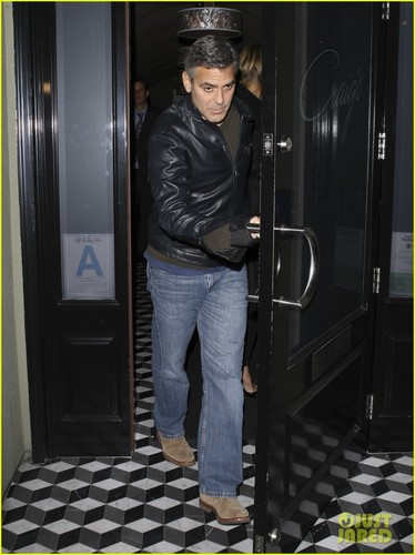 George Clooney & Stacy Keibler: Dinner at Craig's!