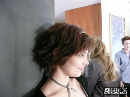 "New/Old pic of Ashley BTS of ""Twilight"" (2008)"