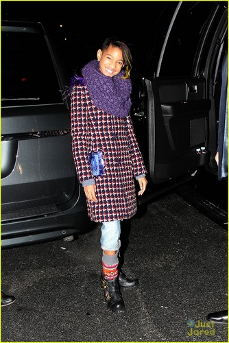 Willow Smith with dad Will in New York City (December 5)