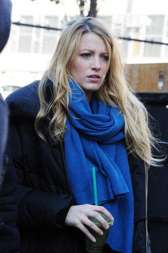 Blake on the set of Gossip Girl <3