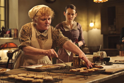 Downton Cristmas Special daisy and Mrs.Pattmore