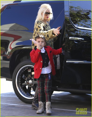 Gwen Stefani, Kingston, & Zuma: Buddha's Belly Family!