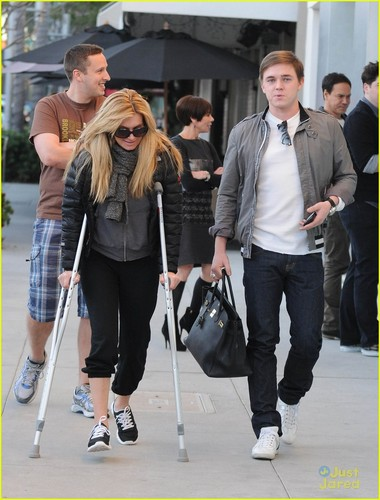 Jesse McCartney: Pota Villa Lunch