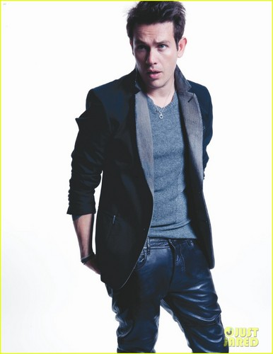 Kevin Alejandro: 'Da Man' Magazine Feature!
