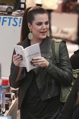 Khloe Kardashian and Lamar Odom at Kitson with Rob Kardashian