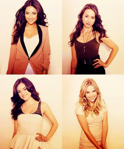 Emily,Spencer,Aria,Hanna