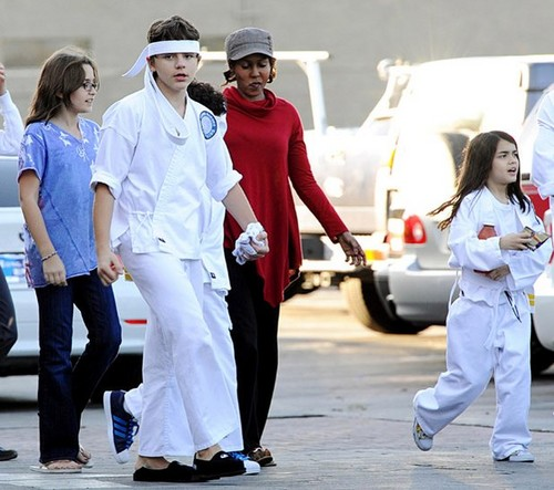 Paris Jackson, Prince Jackson, Grace and Blanket Jackson 2009