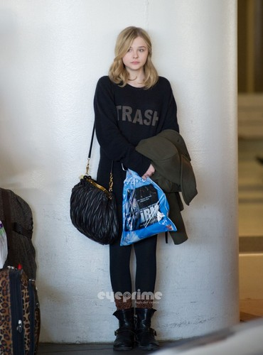 Chloe Moretz and her Mom arrive at LAX, Dec 23