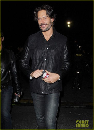 Joe Manganiello: guns N' mawar Concert!