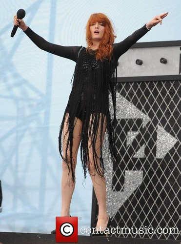 Florence Performs @ T4 - Somerset