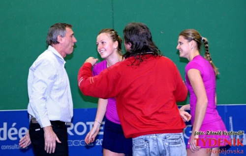 Kvitova and father 2011