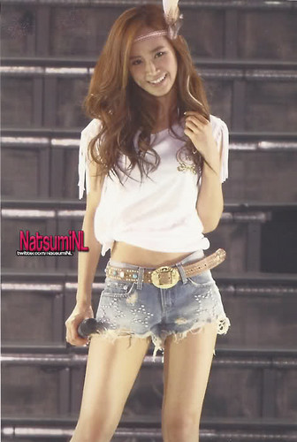 Kwon Yuri Look So Beautiful Here xD