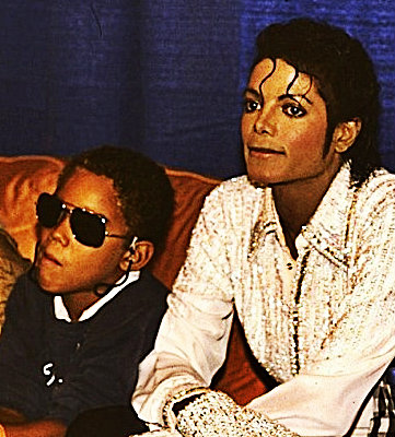 Michael and his nephew TJ in 1986! <3