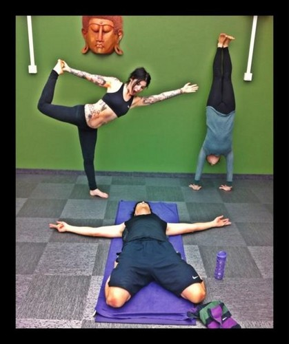 Yoga w @sandrabark n Jyrki. Sandra n I strongly believe this should be the cover of next @69eyesoffi