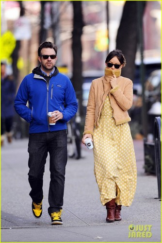 Olivia Wilde & Jason Sudeikis: New Year's Day Stroll!
