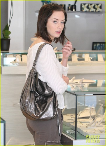 Emily Blunt: Jewelry Shopping in Los Angeles