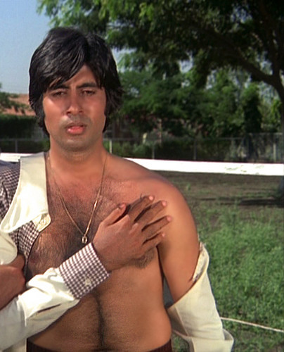Amitabh Bachchan Shirtless