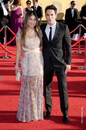 Michael Trevino & Jenna Ushkowitz at the SAG Awards red carpet