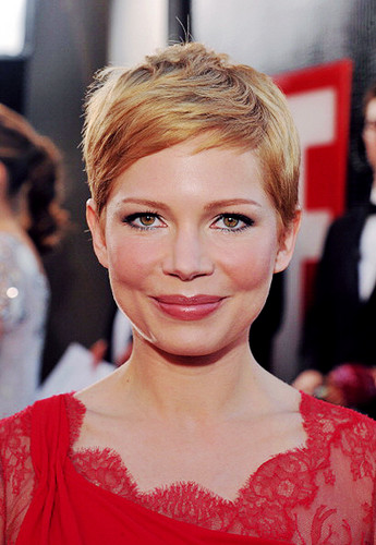 Michelle Williams - 18th SAG Awards/red carpet- (29.01.2012)